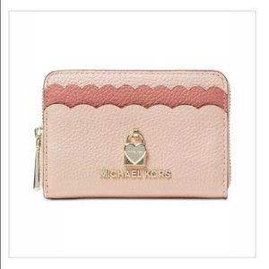 🌺Michael Kors Bi-Color Scalloped Pink Mini Wallet